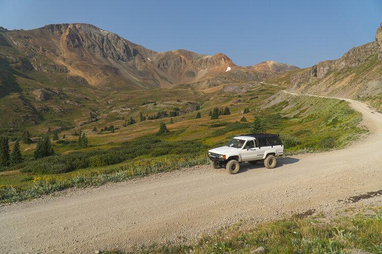 Alpine Loop – Photo credit: Zach Elseman ⎮    @okienomads