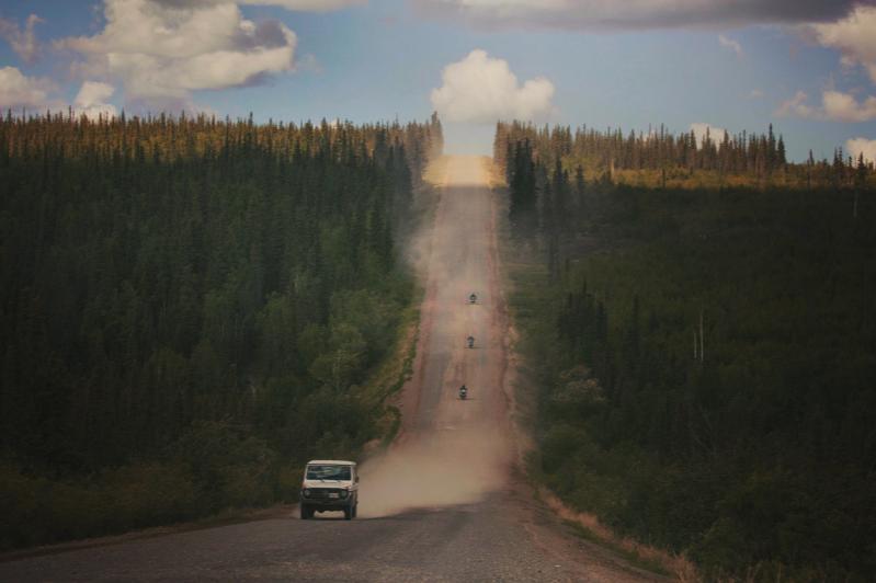 Dalton Highway – Photo by    ferdinand feng    on    Unsplash