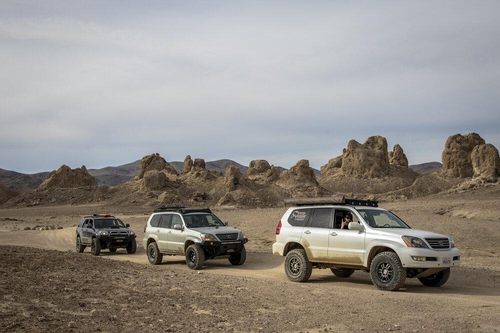 Total-Chaos-Trona-Pinnacles-SUVs.jpg
