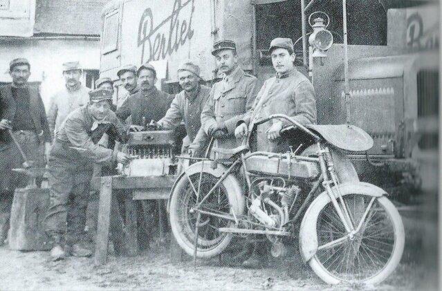 Unknown WWI photographer : Public domain.jpg